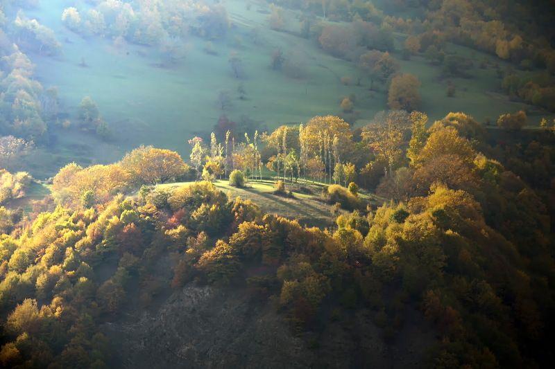 азербайджан , село ,  природа , ущелье , лагич горы осень кавказ Кавказ золотая осень .photo preview