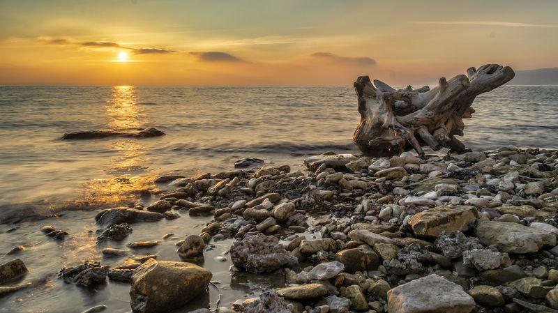 пейзаж, природа, река, волга, рассвет, камни, волны, landscape,nikon, natura, river, volga, stones, waves Безмятежность в первых лучахphoto preview