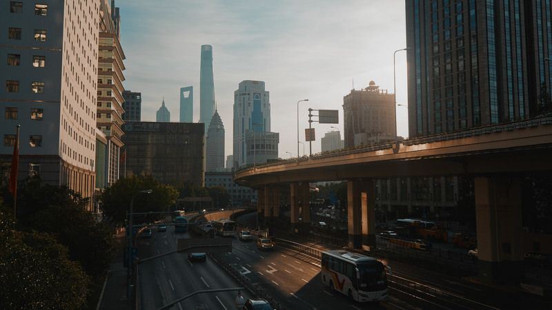 traffic, asia, china, shanghai, street, cars, morning, sun, sunlight, cinematic, cine, film, still, photo, colors, colorgrade, colorgrading Early trafficphoto preview