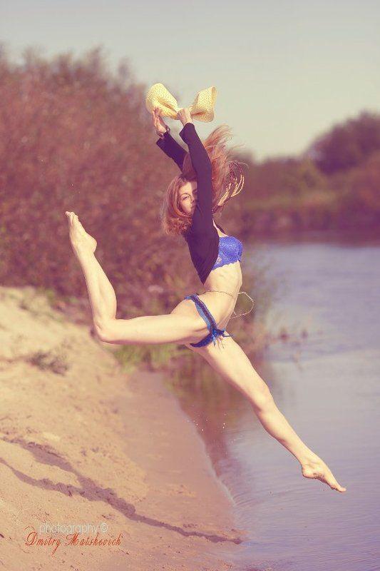 река, балерина, берег прыжок Асени болетphoto preview