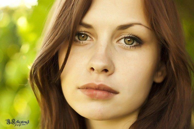 девушка, красивая, портрет, глаза, волосы, Лучше естественная грусть, чем натянутая улыбка...photo preview