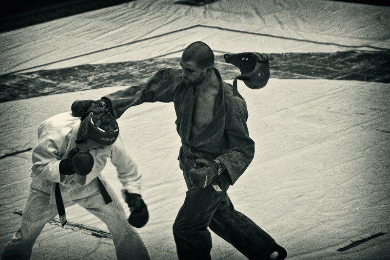 рукопашный бой, спорт, соревнования, магадан Мгновенье до победыphoto preview