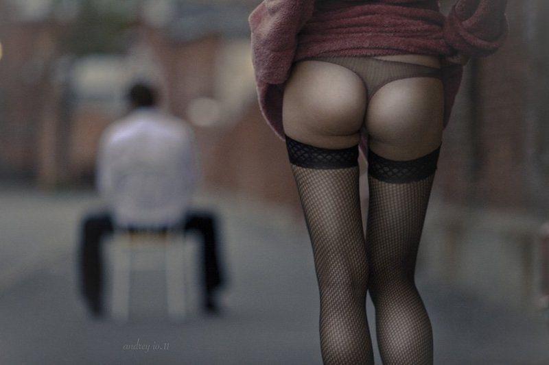 женщина, улица прохожаяphoto preview