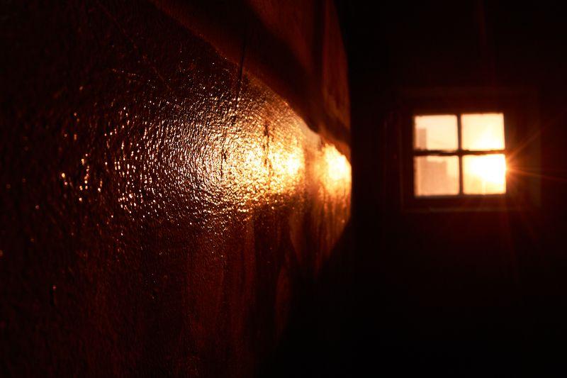 осень, закат, город, окно, андрейларионов Свет в окошкеphoto preview