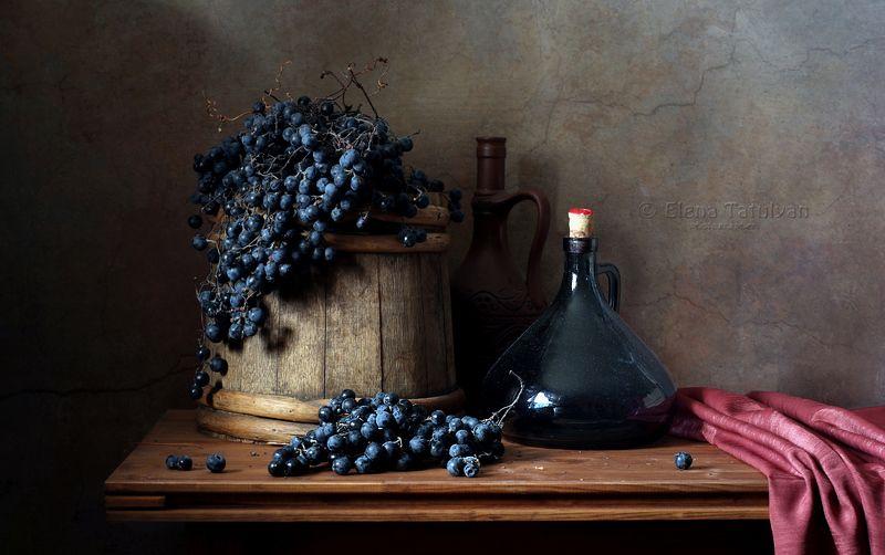 виноград, бутылка, корзина, бочка Будущее виноphoto preview
