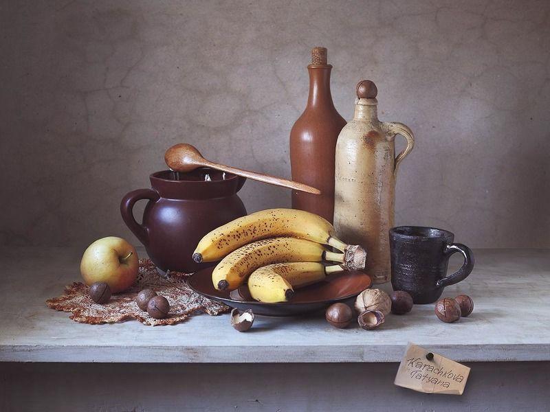 натюрморт, бананы, бутыль, керамическая, яблоко, салфетка, горшок, ложка, посуда, фрукты 3х3 банана с веснушкамиphoto preview