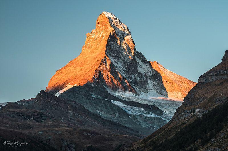 mountains, alps, pennine, sky, matterhorn, zermatt, mountain, mount, landscape, portrait, zoom, light, sunrise, sun King Matterhornphoto preview