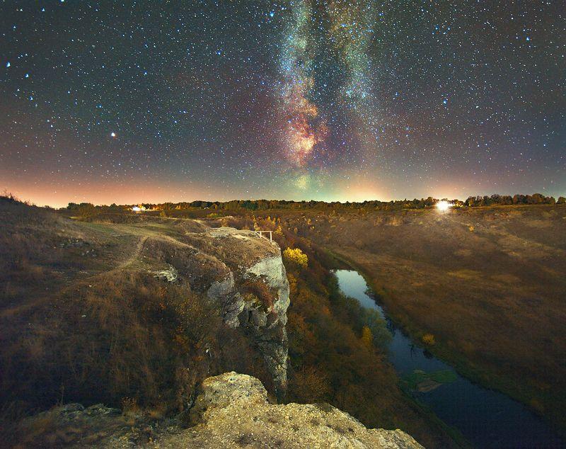 млечный путь,ночь,осень скалы,река Млечный путь,в холодную осеннюю ночьphoto preview
