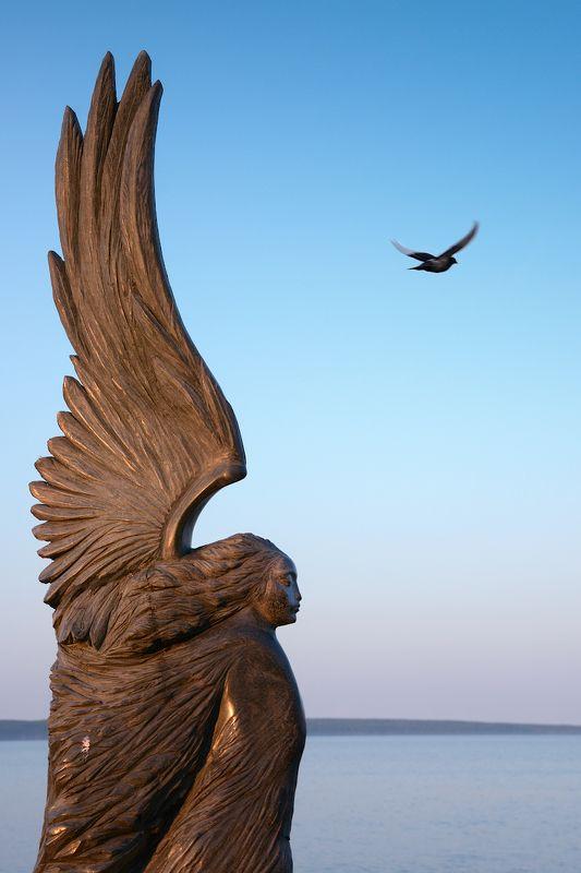 Скульптурная набережнаяphoto preview