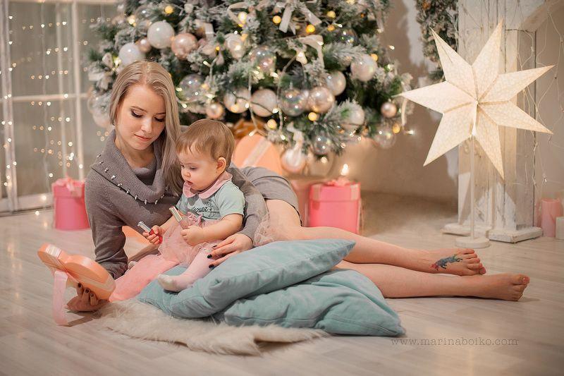 девочка, женщина, мать, мама, дочка, портрет, новый год, елка, огоньки, звезда, girl, mother, portrait, photo, photography Первый новый год.photo preview