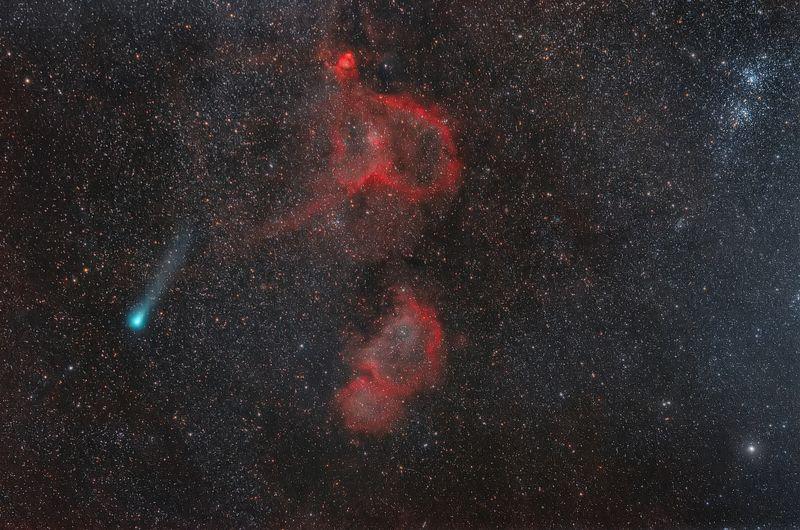 астрофотография, фотографии космоса, космос. туманности душа и сердце, комета В БЕЗДНЕphoto preview