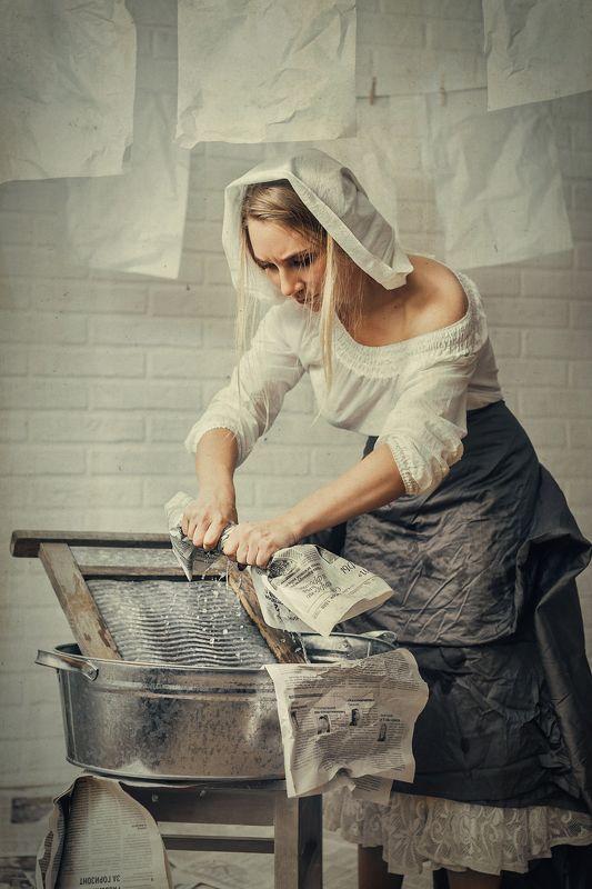 прачка, газета, модель, студия, портрет, раритет, сюр, картина Прачка2photo preview