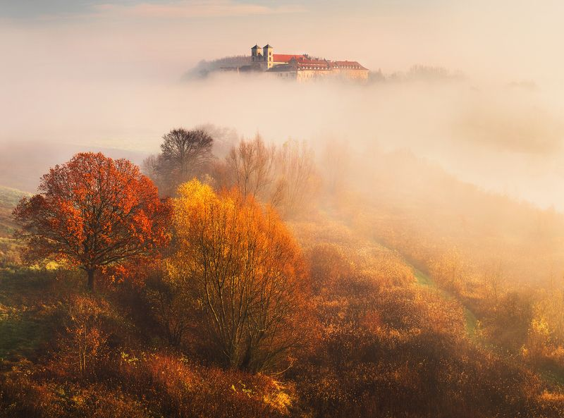 poland, krakow, landscape, hill, autumn, osen, fall, church, trees, colors, gold, sunrise, morning, Rustphoto preview