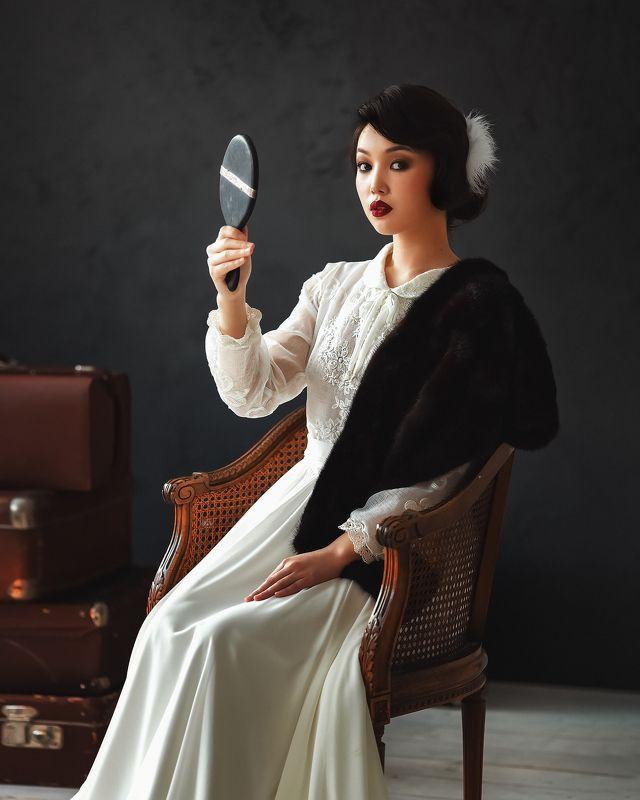 девушка зеркало модель портрет portrait Ретроphoto preview