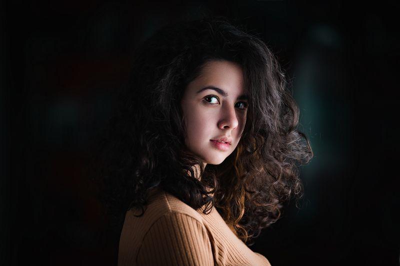 портрет кудри кудриphoto preview