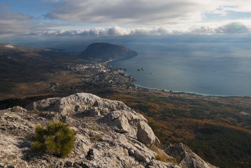 Вид на Гурзуф с высоты Шаан-Кая....photo preview