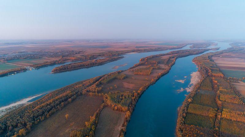 Danube,autumn,bulgaria,romania,coastline Danube autumnphoto preview