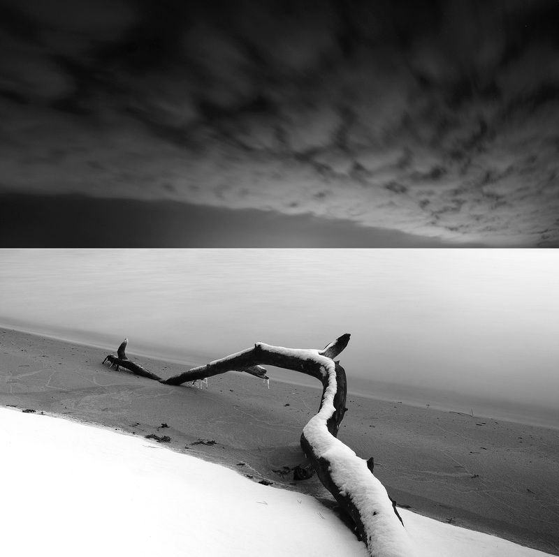 B/W, winter, water, snow, lake, clouds, long exposure *photo preview
