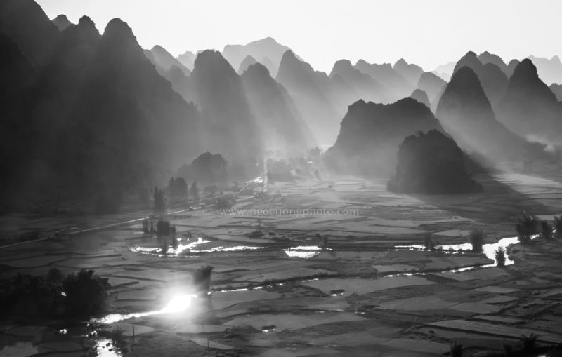 blackandwhite, landscape, sunrise, sunray, indochina, vietnam, asia, ngo cuong, ngo cuong photo Sunrise in Ngoc Con by Ngo Cuong Photophoto preview
