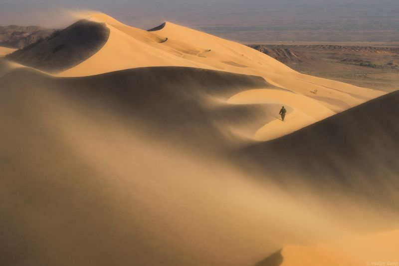 казахстан, алтынэмель, поющийбархан Песчаная буря на Поющем барханеphoto preview