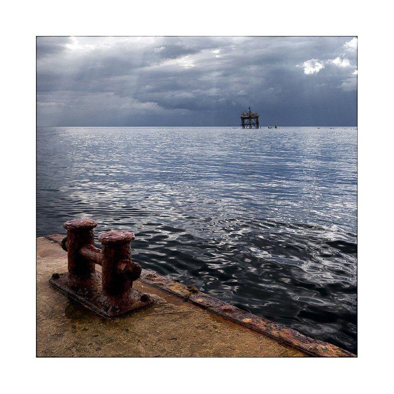 крым, голубой залив На пристани...photo preview
