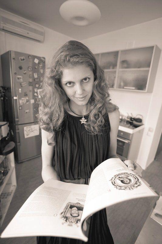 portrait, bw, sepia Ангелы тоже читают журналыphoto preview