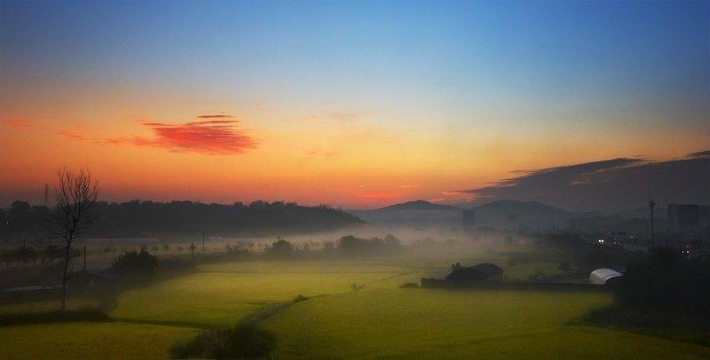 рассвет, туман Перед рассветомphoto preview
