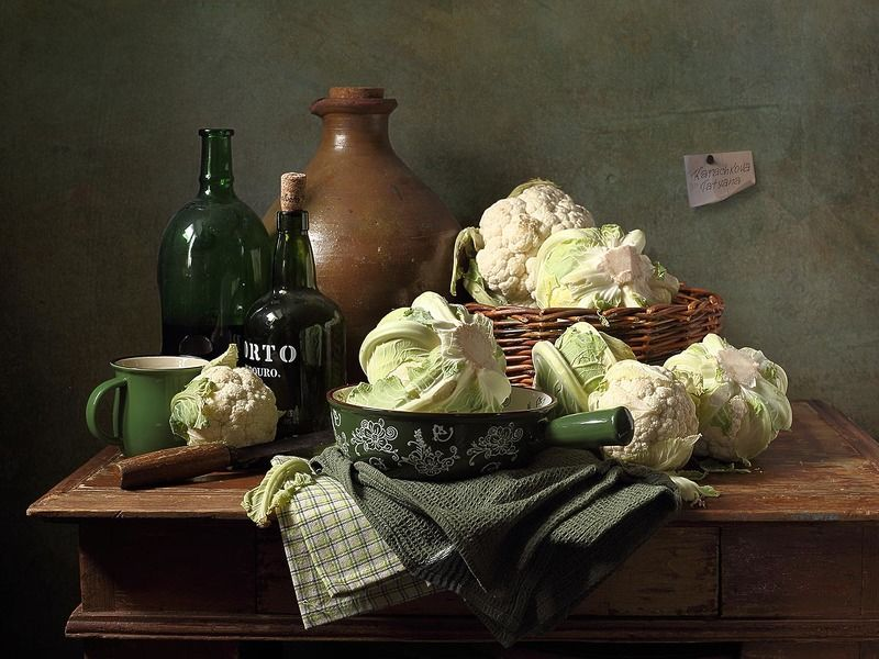 натюрморт, цветная капуста, овощи, перец болгарский, паприка,кувшин, миска, кружка, бутылка Ода цветной капустеphoto preview