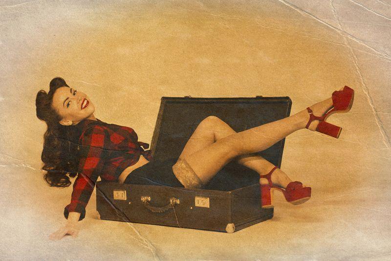 портрет, девушка, пинап, гламур, постановочная фотография, женский портрет. Дама сдавалась в багаж...photo preview