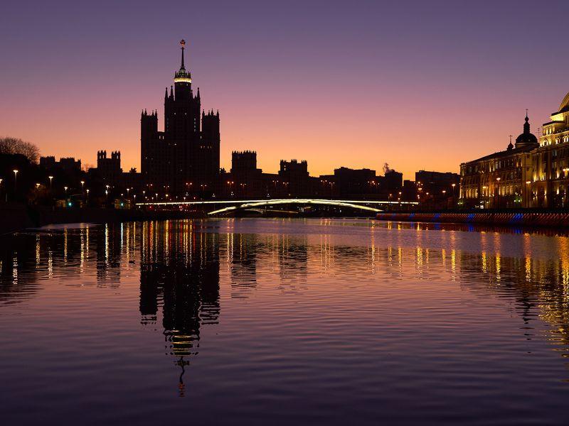 город, Москва, столица, рассвет, сталинская, высотка, небоскреб, река, утро, силуэт Москва. Рассвет на Котельнической.photo preview