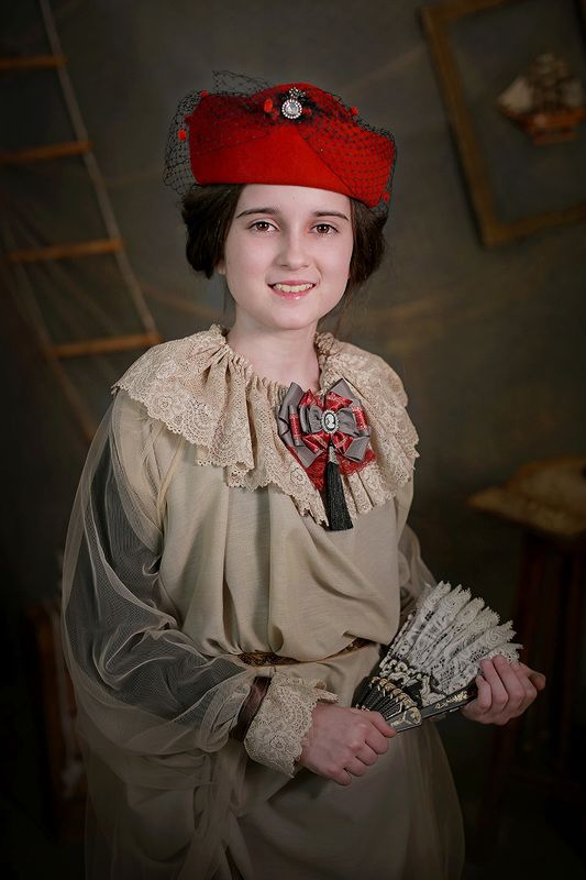 портрет девушка прошлое photo preview