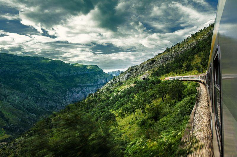 canyon, montenegro, train, mountains, travel, locomotive, green, nature, rocky, high, look down, composition, europe, moraca river,  каньон, черногория, поезд, горы, путешествия, локомотив, зеленый, природа, скалистый, высокий, смотреть вниз, состав, евро Entering the canyonphoto preview