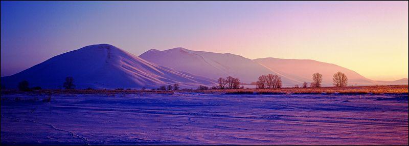 dawn,mountains,landscape,photofilm,mamiya,snow,oleg_grachev Dawnphoto preview