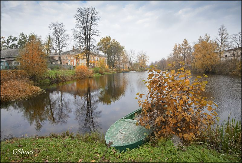 Староладожский канал у Новой Ладогиphoto preview
