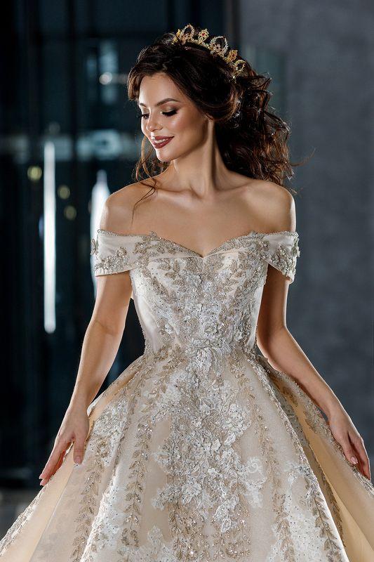 невеста, портрет, свадебное платье, красота, корона, wedding. dress, model, beauty, luxury Queenphoto preview