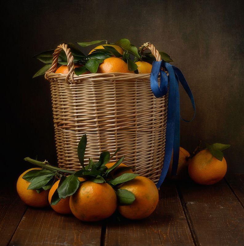 натюрморт,мандарины,корзина,аромат предчувствие )))photo preview