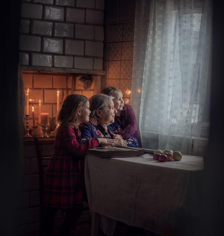 бабушка, правнучки, история поколений, семейный альбом Моя любимая бабушка и мои доченькиphoto preview