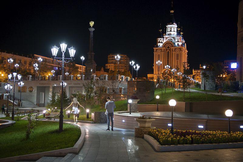 Прогулка по ночному городуphoto preview