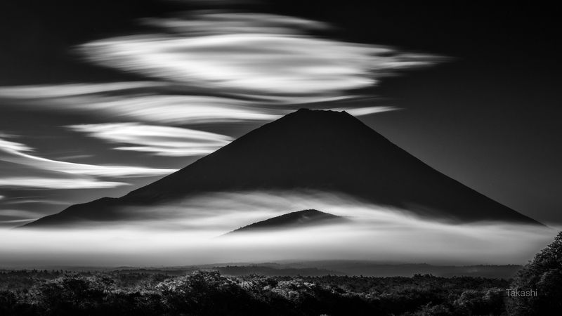 Fuji,Japan,mountain,clouds,white,sky,fog,beautiful,amazing,wonderful Cloud hairphoto preview