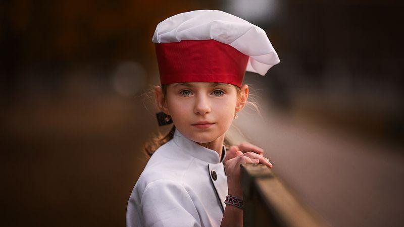 ребенок, повар, улица, закат, портрет Мечтаphoto preview