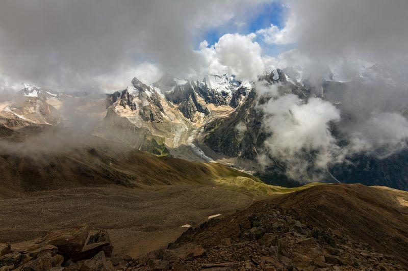горы, облака, кавказ тонкой лентой за перевал...photo preview