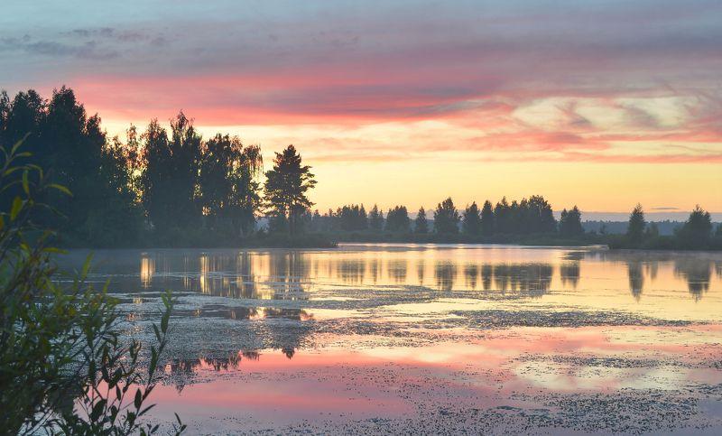 после заката, небо, краски, дымка, озеро, отражение, лето, август, тишина Краски летнего вечераphoto preview