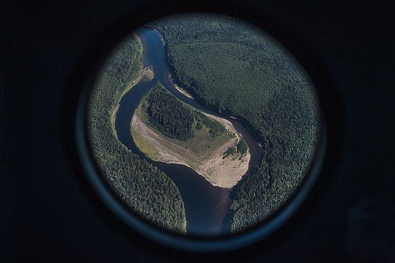 Печора, вертолет, тайга, река, север Над Печоройphoto preview