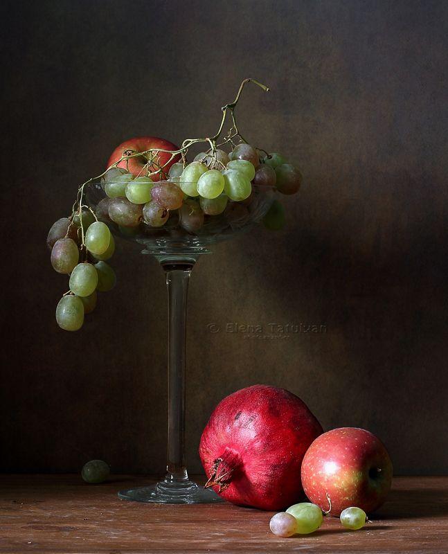 фрукты, виноград, гаранаты, кувшин, яблоки, хурма Фруктовые натюрмортыphoto preview