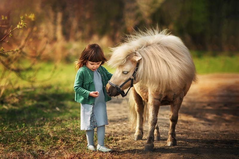 Девочка, пони, весна, портрет , portrait Еваphoto preview