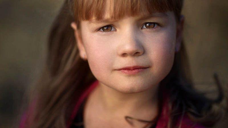 портрет, ребенок, детский портрет, взгляд, свет, 16:9  photo preview