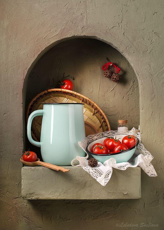 ниша,помидоры,свеча,овощи,композиция,натюрморт,кувшин,миска Кухонные натюрморты в нишеphoto preview