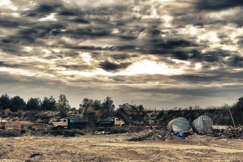 упадок, разруха, грузовики, закат, апокалипсис, сталкер, песок Разрухаphoto preview