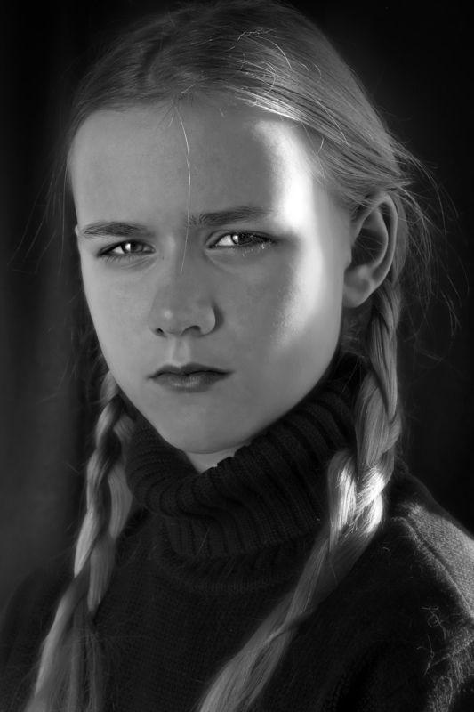 портрет, чб, blackandwhite, portrait fille avec des tressesphoto preview