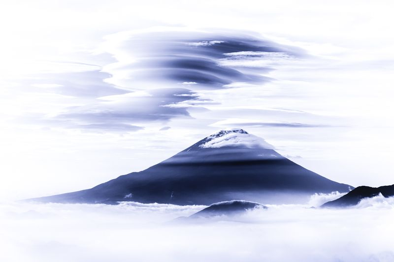 Fuji,Japan,mountain,cloud,sea of cloud,blue,amazing,beautiful Mltilayer Lenticular Cloudsphoto preview